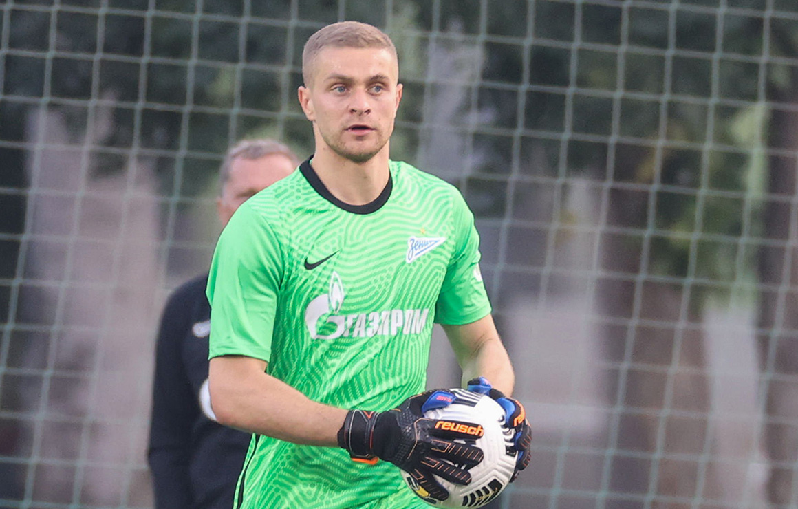 Александр Васютин продолжит сезон в Швеции